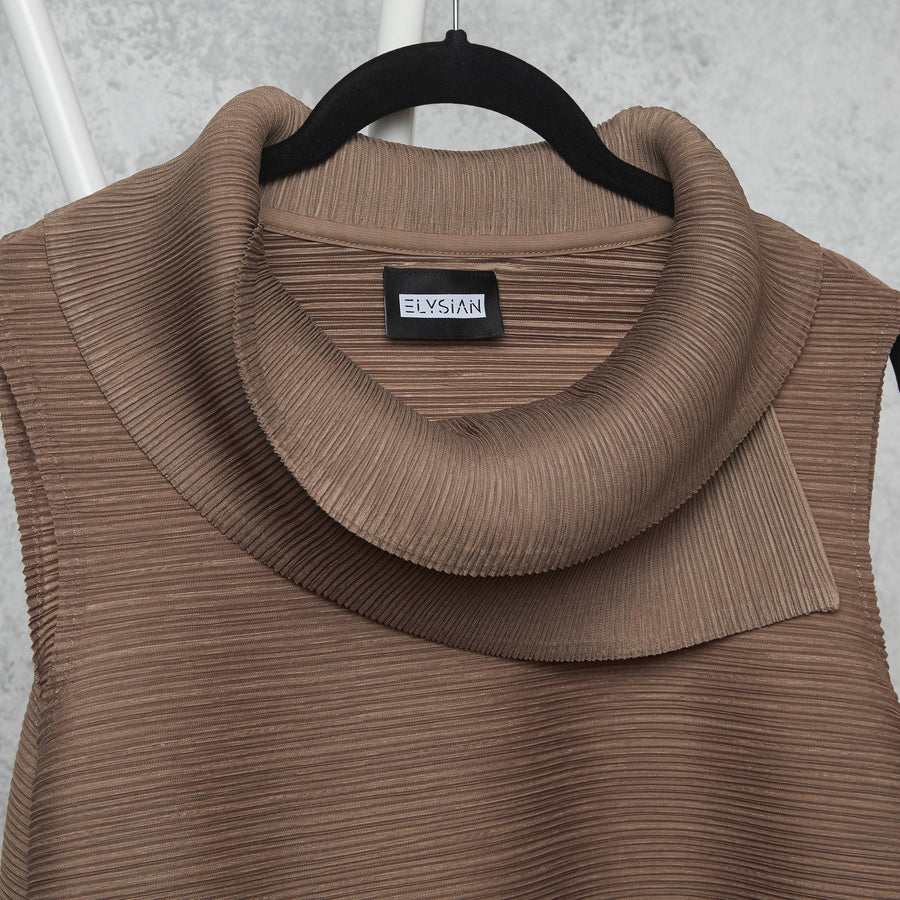 Pleated Sleeveless Turtlenecks - Taupe