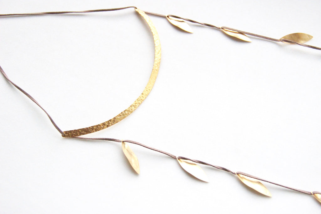 The Suspended Vine Necklace