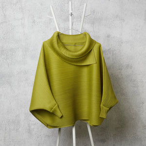 The Batwing Turtle Neck - Peridot Green