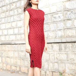 Chevron Pleated Dress - Maroon