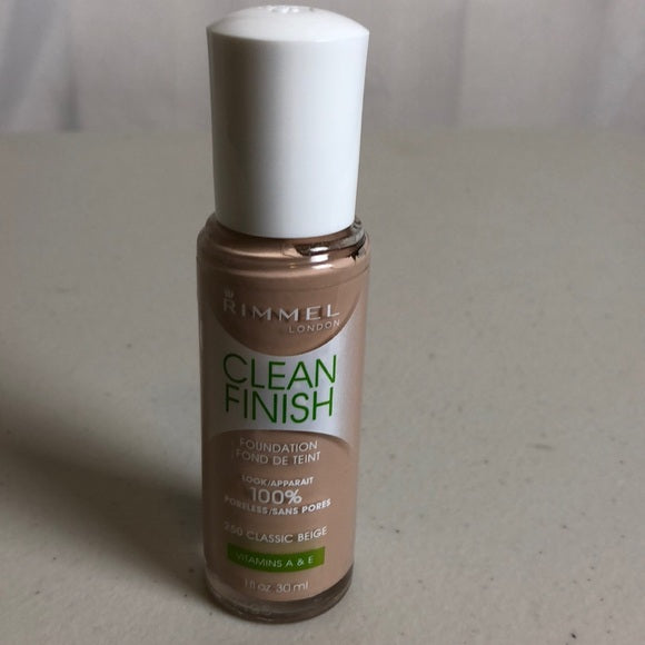 Sexy Sparkles   Rimmel Clean Finish Foundation 250 Classic Beige