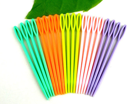 "Sexy Sparkles 20 Pcs 2 3/4"" Multicolor Plastic Sewing Needles"