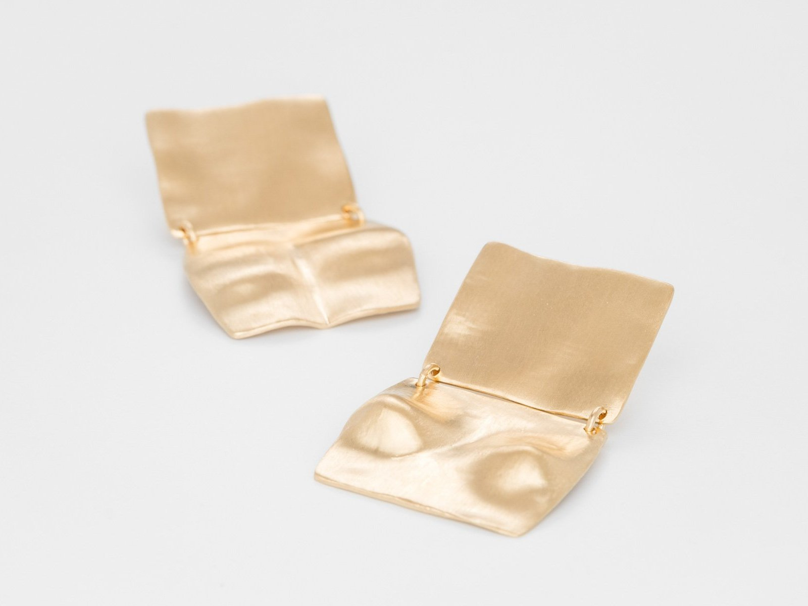 A place of beauty Gold Earpieces - Bjørg Jewellery