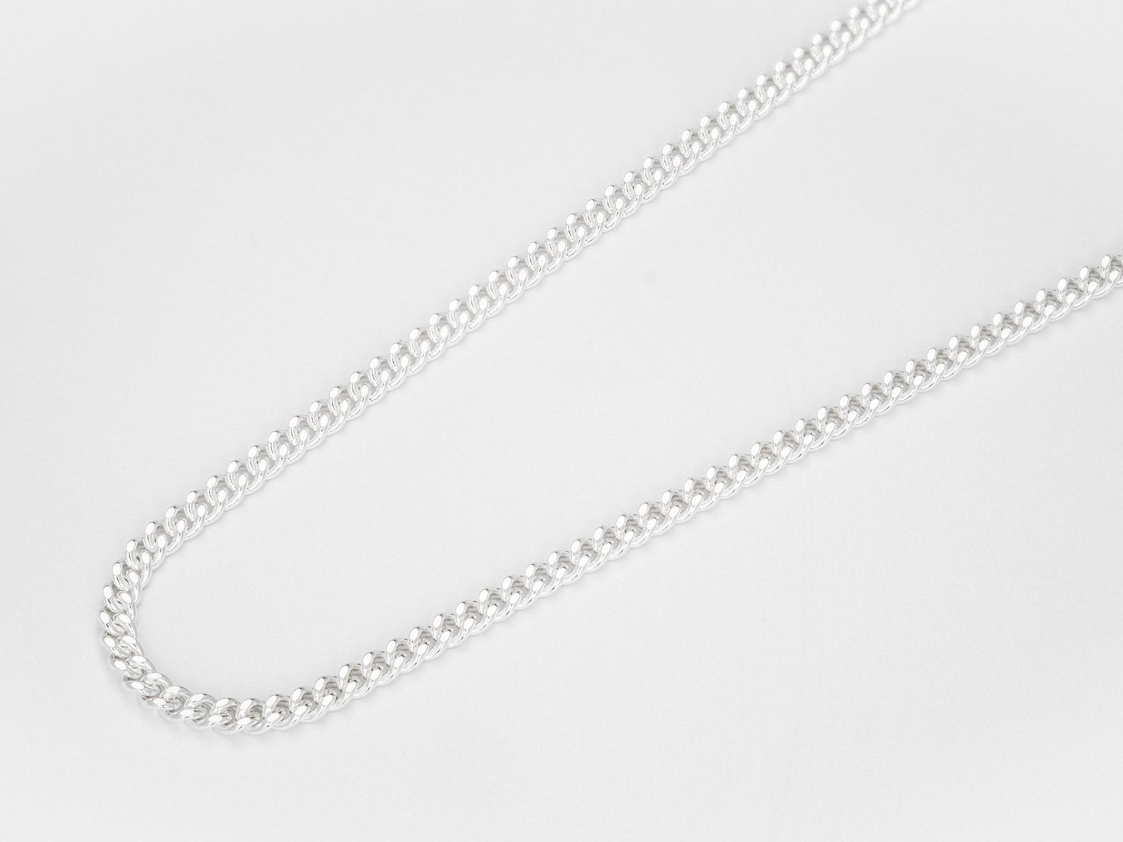 Short diamond cut chain