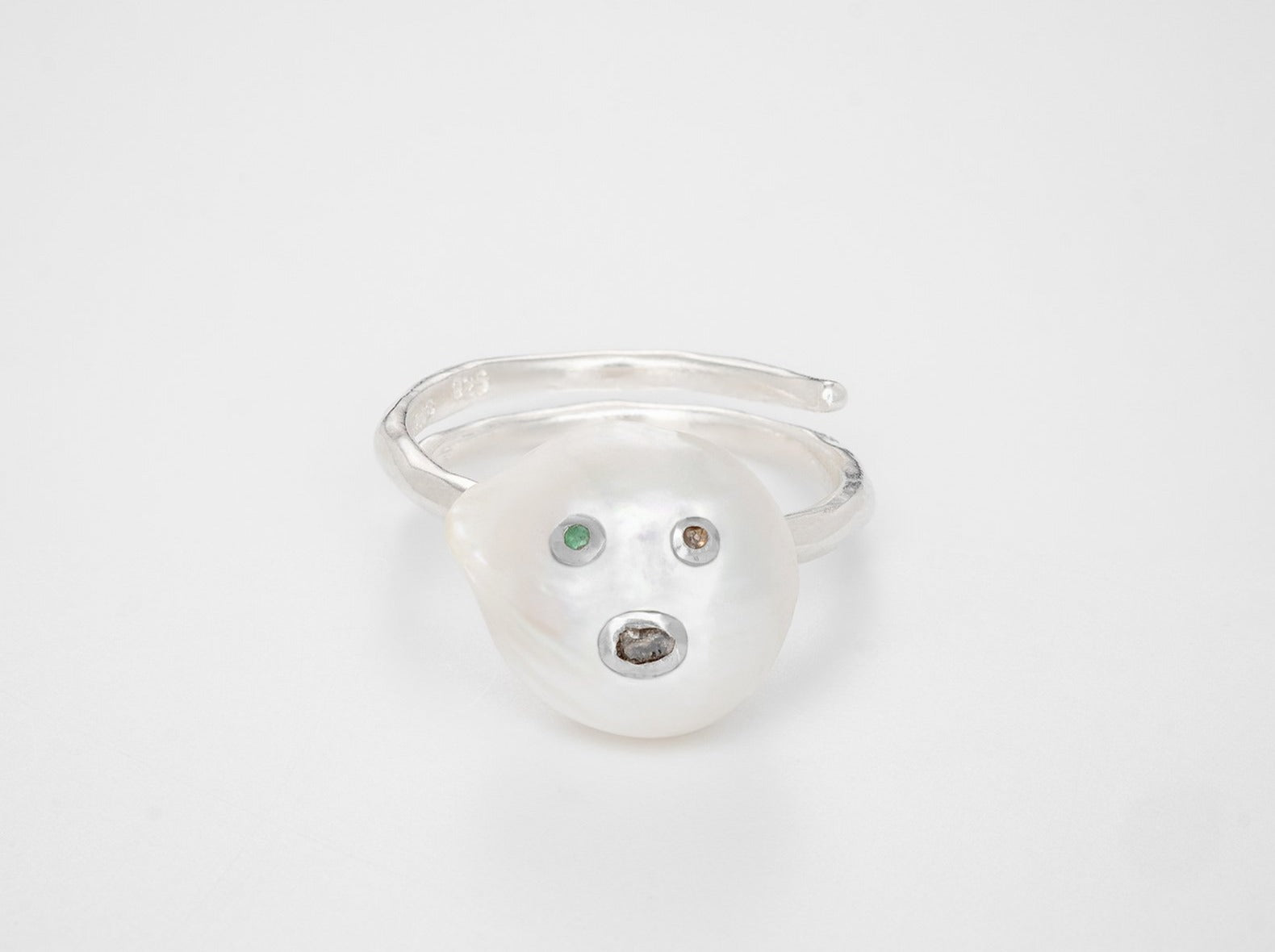 Face of the moon Ring