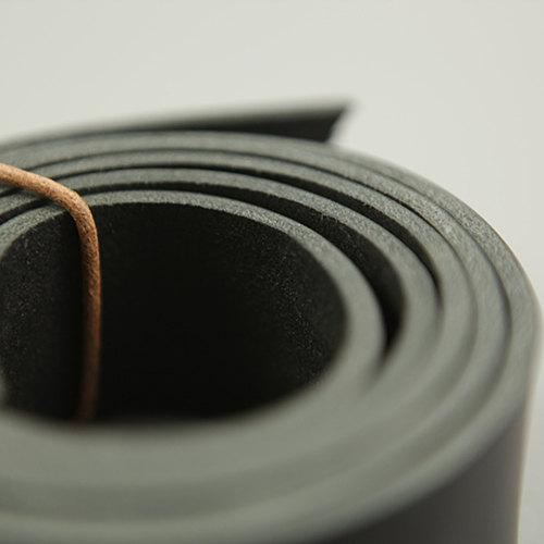 Japan Vegetable Tanned Black Leather Strap Raw Cut Cowhide LeatherMob Leathercraft Belt