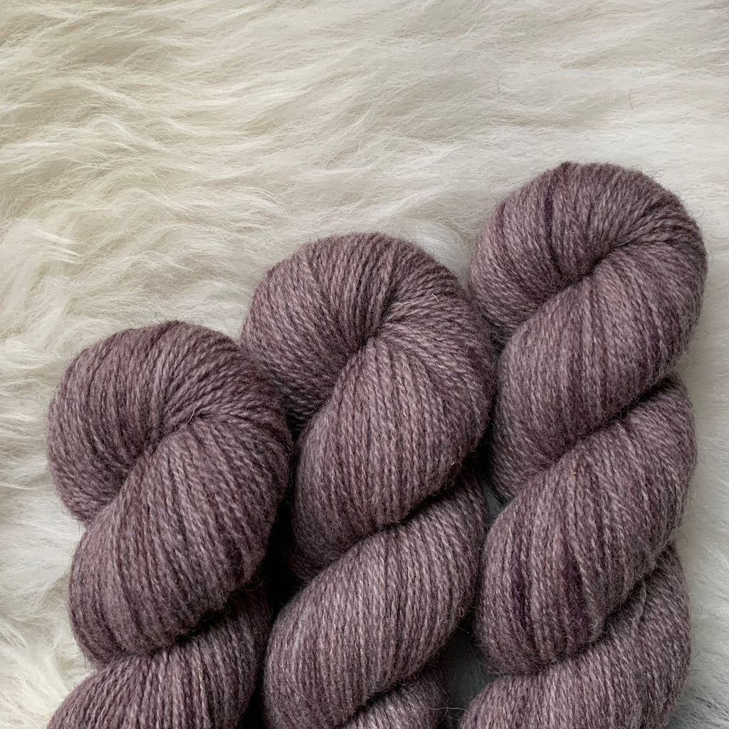 Hampshire 4ply - Fluff and Stuff Cambric Yarn - Back at One