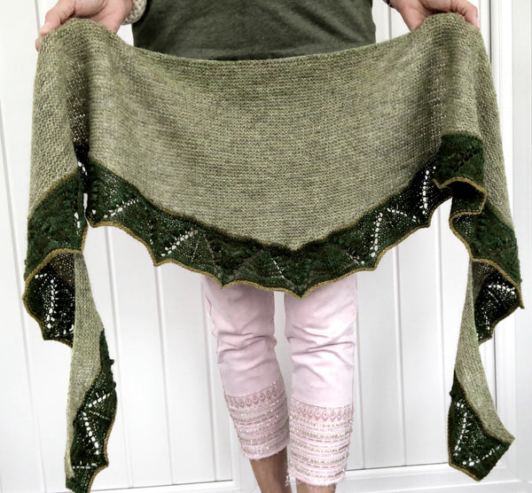 Lily of The Valley Shawl - Heike Gittens - Kit (Hampshire 4ply)