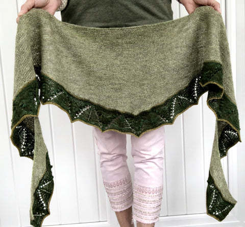 A lovely Heike Gittins design - Lily of The Valley Shawl Kit