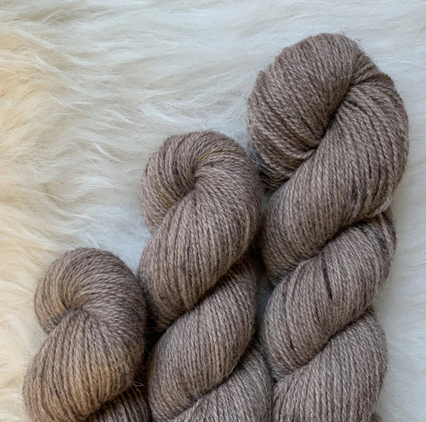 Hampshire 4ply - Fluff and Stuff Cambric Yarn - Speckled Hen