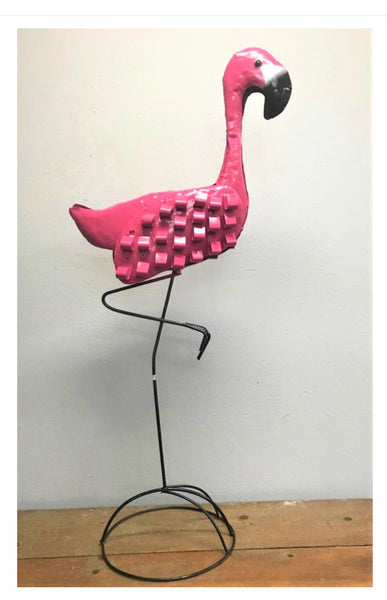 CURLY FEATHER PINK FLAMINGO GARDEN ANIMAL SCULPTURE METAL DECOR ORNAMENT PINK