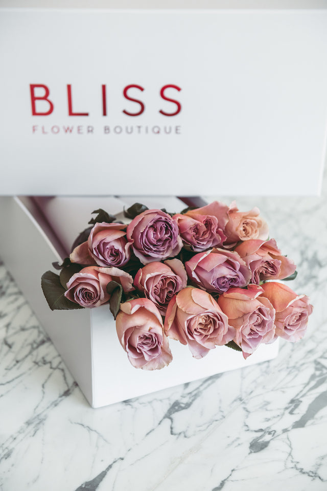 Bliss Flower Boutique - A box of Love # 2 - [Collection]