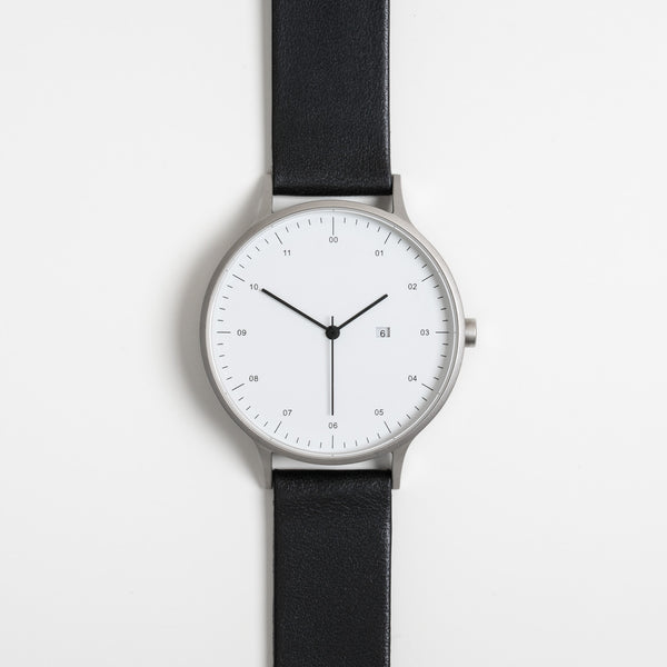Instrmnt 01 Series In Black/Silver