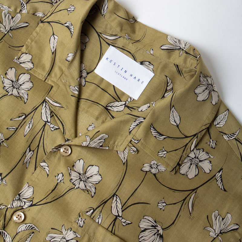 Kestin Hare Crammond Shirt In Olive Floral Print Tencel collar detail