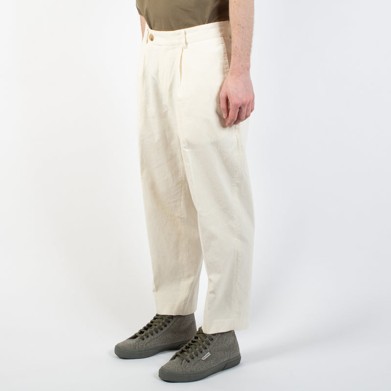 Kestin Hare Wick Trouser Off White Cord worn side view