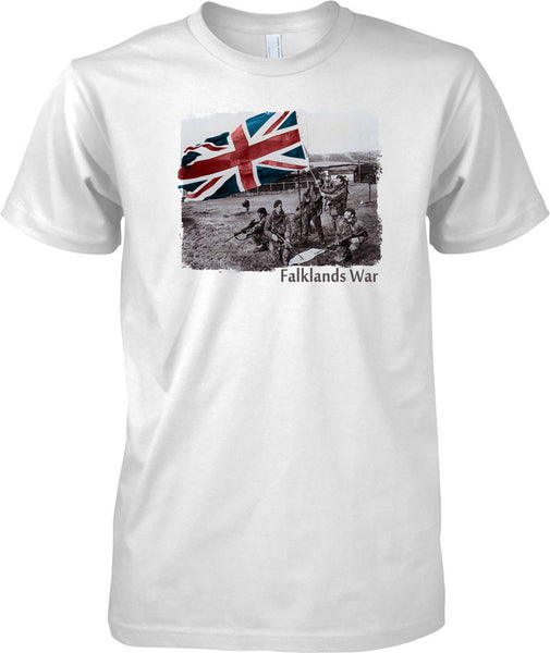 Falklands War Victory - Royal Marines Raising Flag - Mens T Shirt