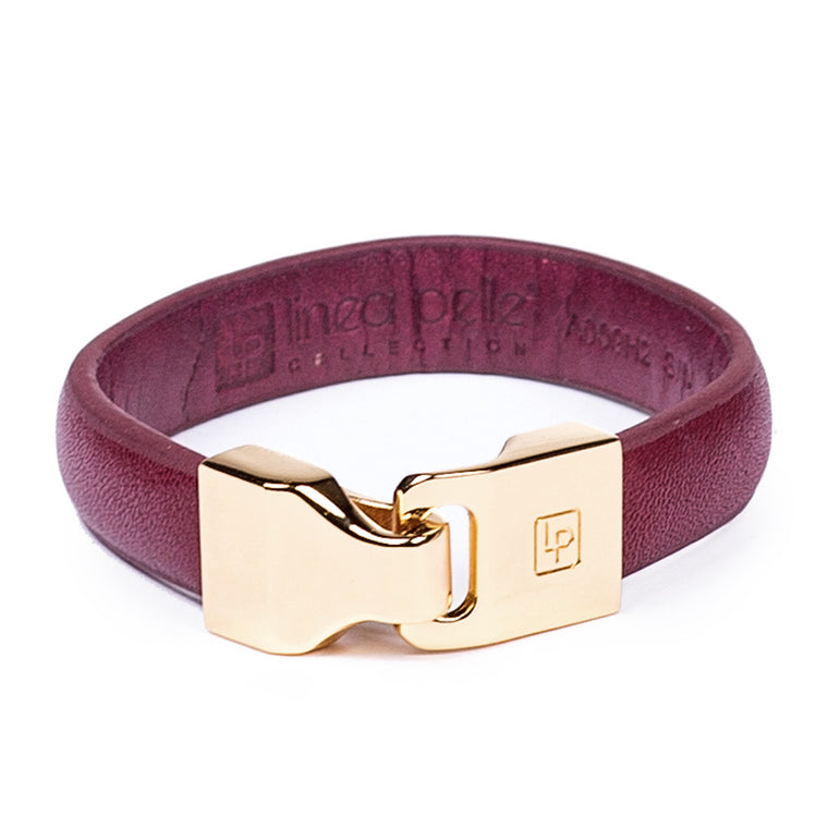 Linea Pelle Hook Closure Bracelet in Red