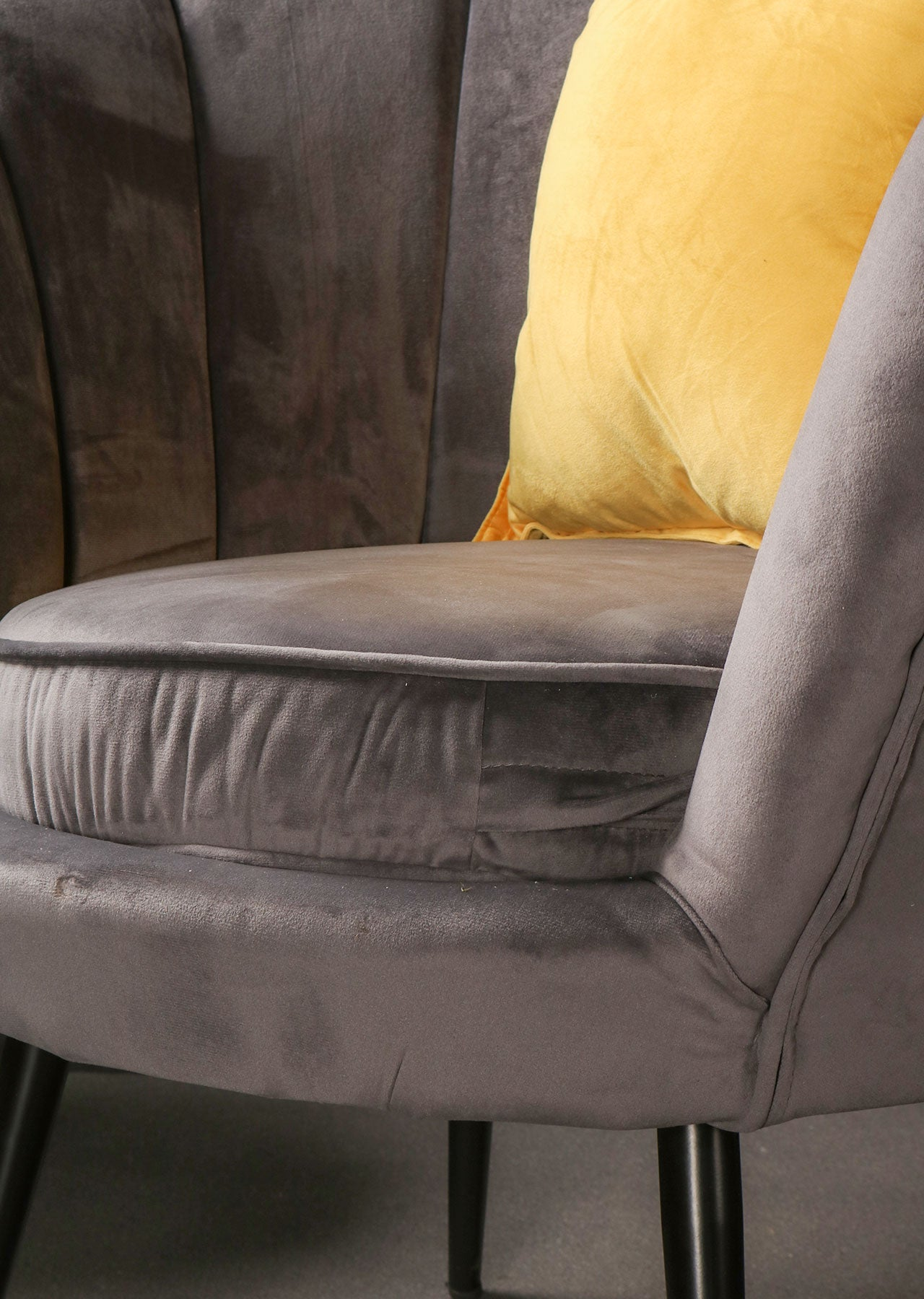 Grey Crushed Velvet Fabric Scallop Accent Chair Bedroom Furniture