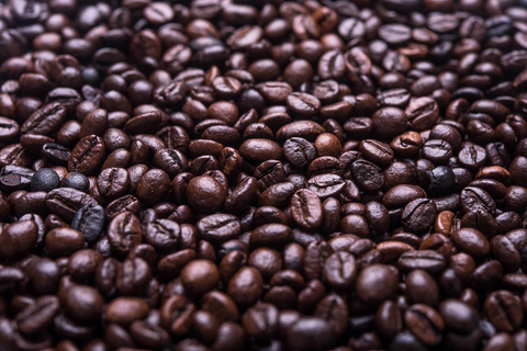 difference between light and dark roast coffee