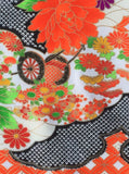 5960 Japanese furisode silk fabric, close2