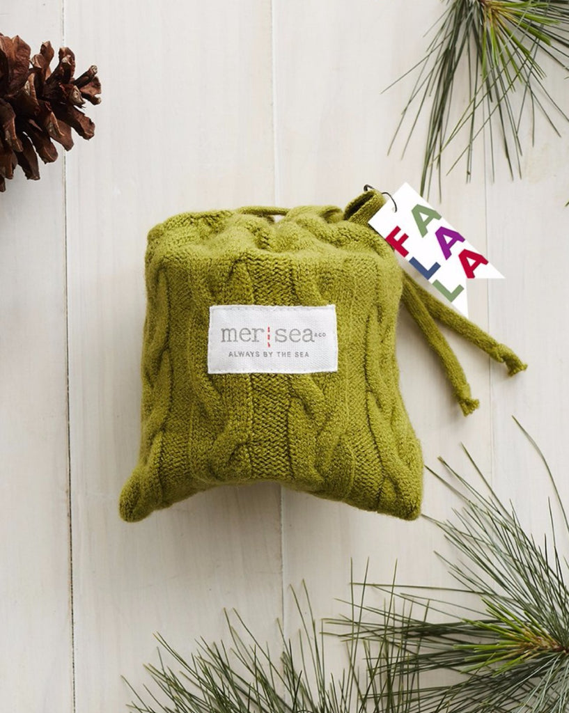 Mer-Sea 7 oz Holiday Sweaterbag Candle - Sea Pines - Ship Chic