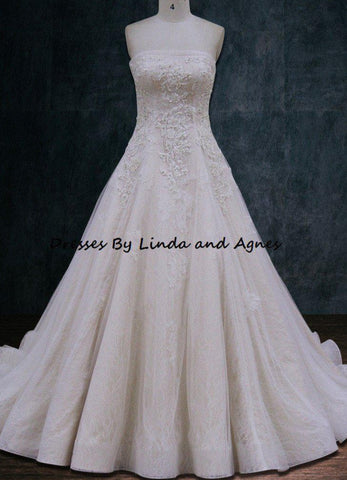 Wedding dress Ballgown A-line 2 layers of lace