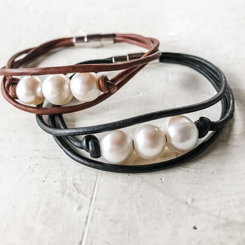 Payton Leather Bracelet | Triple Pearl