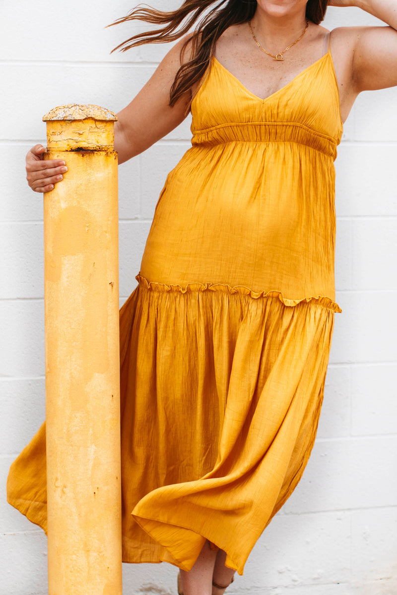 Curve Sweatshirt is a thicker, but soft sweater that has long balloon sleeves with ribbed cuffs and bottom hem.