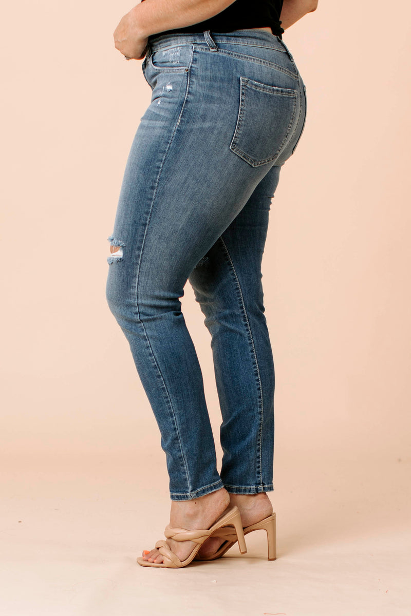 Textured Sweater is a textured knit sweater that features a round neckline, balloon long sleeves, and ribbed hemline.