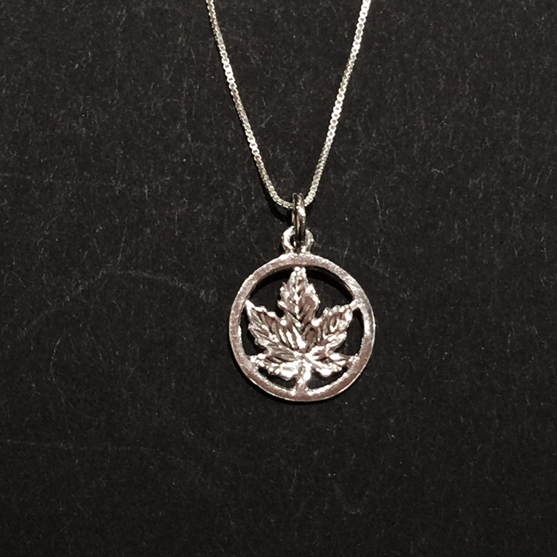Pendant - Maple Leaf - Jewellery - The Cuckoo's Nest