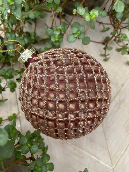Rusted Rose Quilted Style Bauble