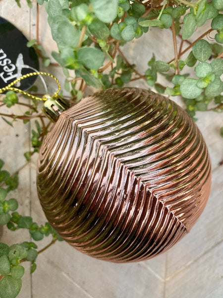 Metallic Pink Ribbed Bauble