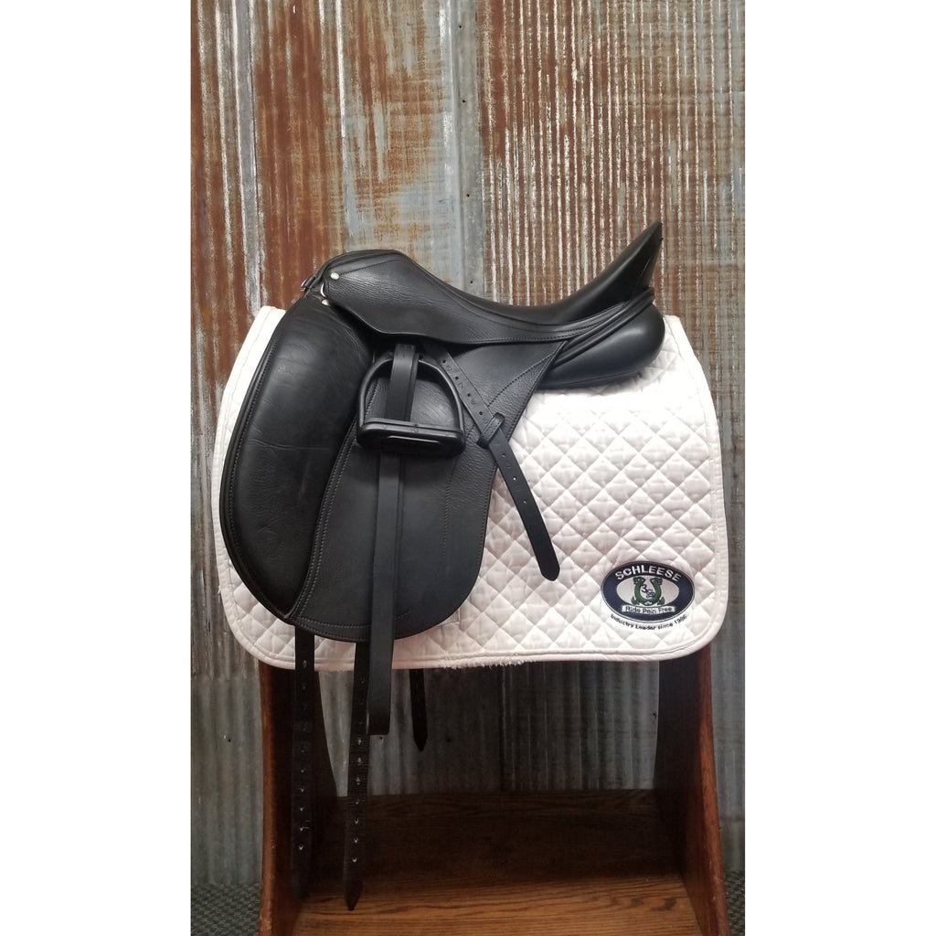 "18"" Schleese Triumph Dressage Saddle (Gently Used)"