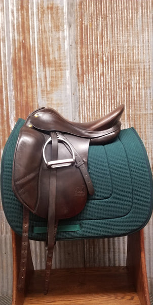 "17"" Prestige Top Dressage Saddle (Gently Used)"
