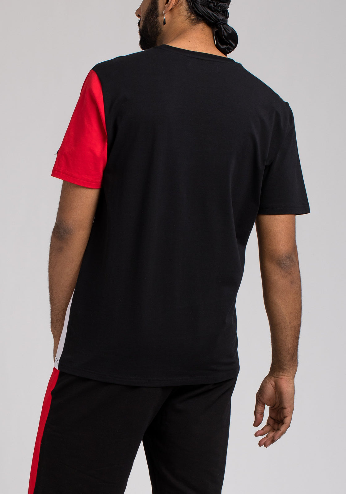 BPYRAMID COLOR BLOCK TEE - Color: Black