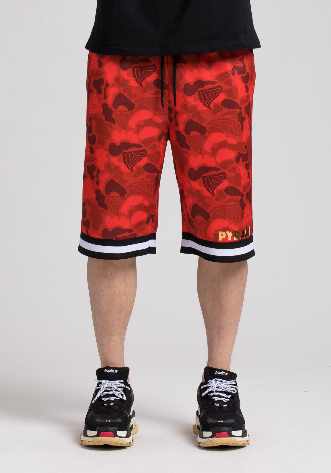 GOLDEN PYRAMID CAMO SHORT - Color: RED