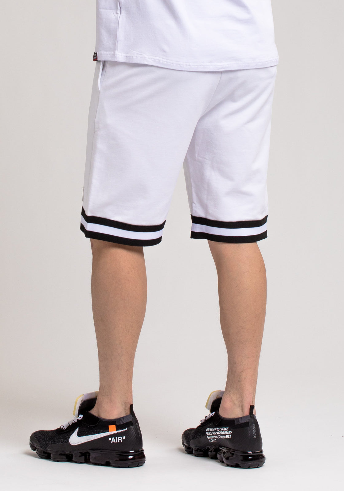 Pyramid World Wide Short - Color: White