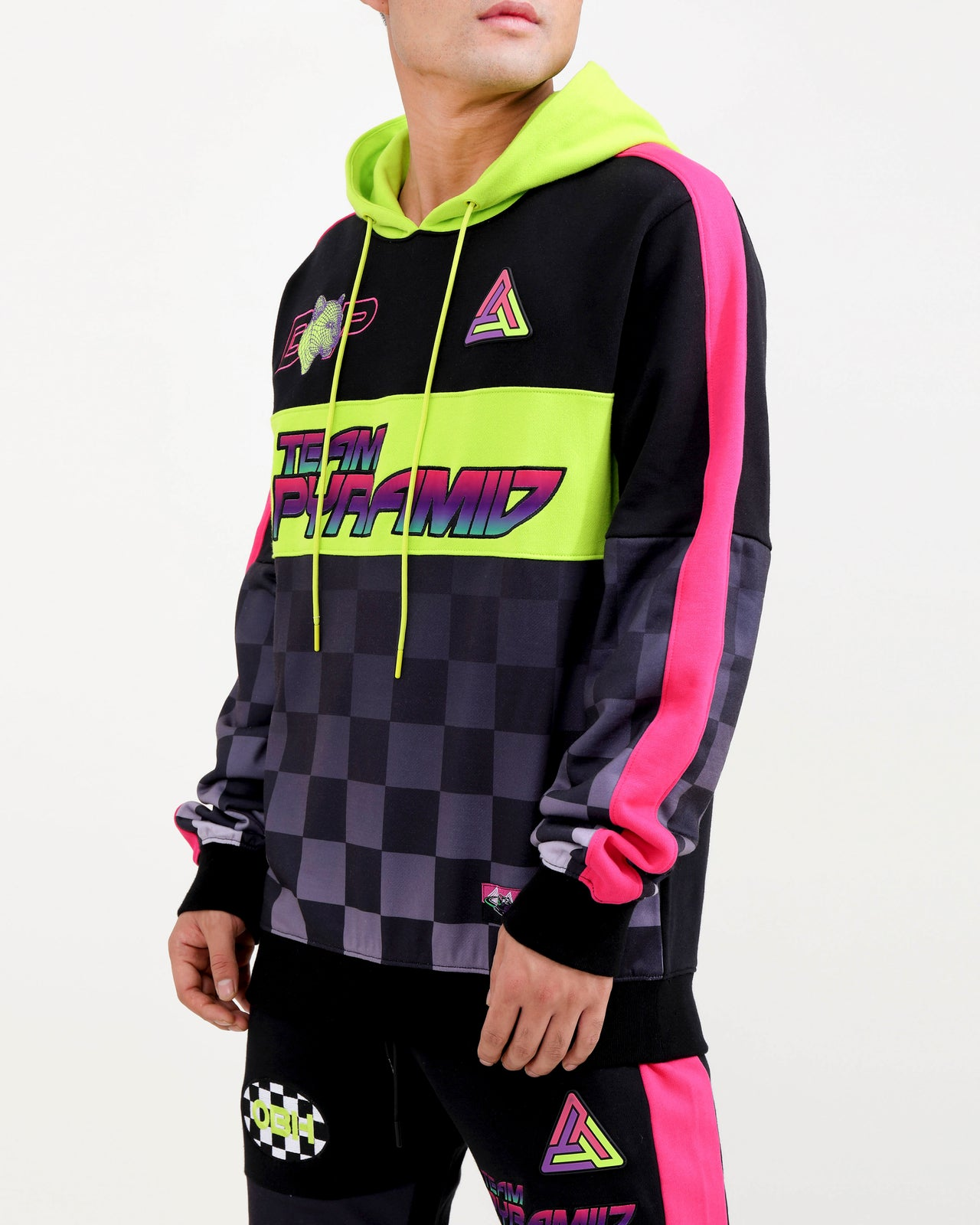 TEAM PYRAMID HOODY-COLOR: BLACK