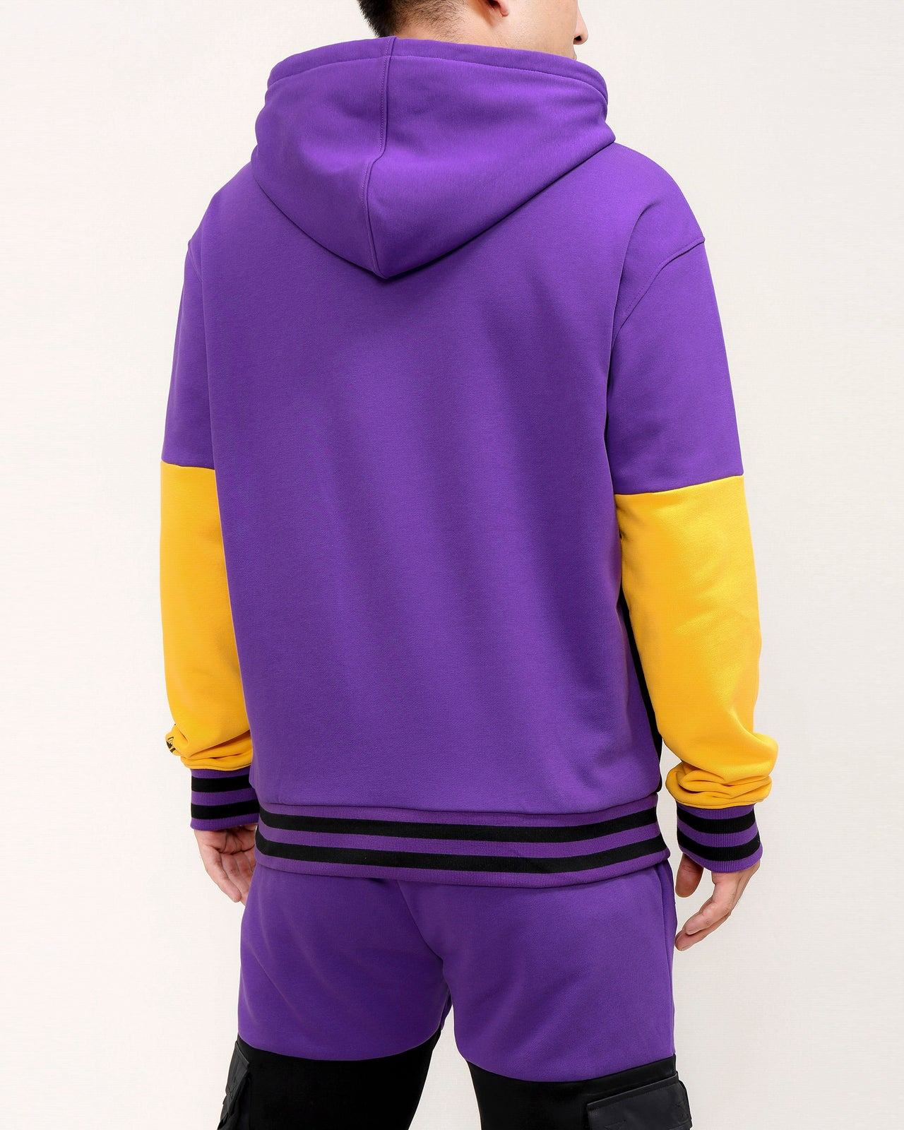UTILITY TRAVEL POCKET HOODY-COLOR: PURPLE