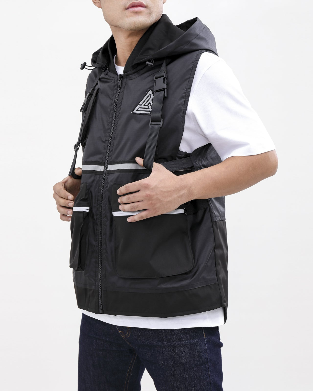 UTILITY TECH VEST-COLOR: BLACK