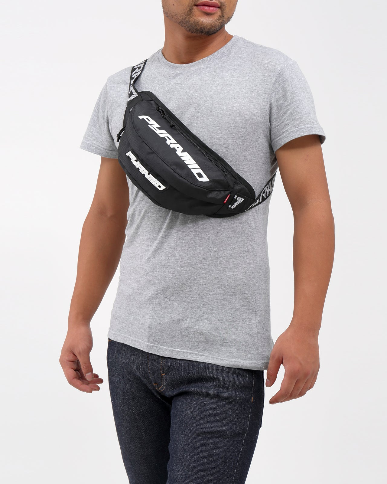 BIG PYRAMID WAIST BAG - Color: Black