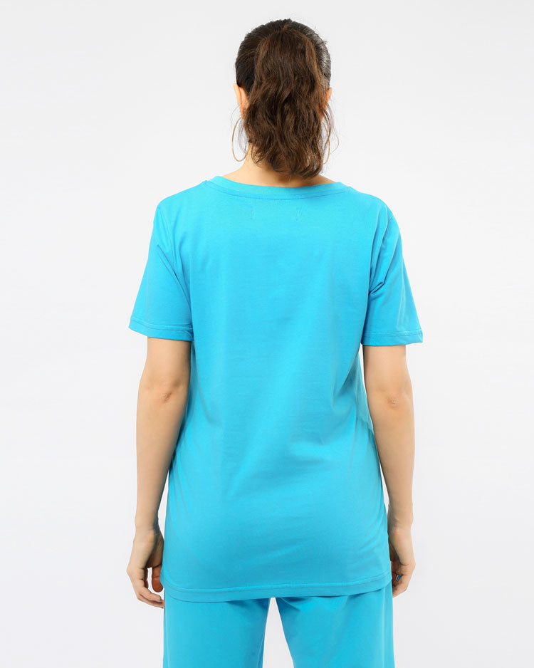 WOMEN CORE 3D RUBBER PATCHSHIRT-COLOR: BLUE