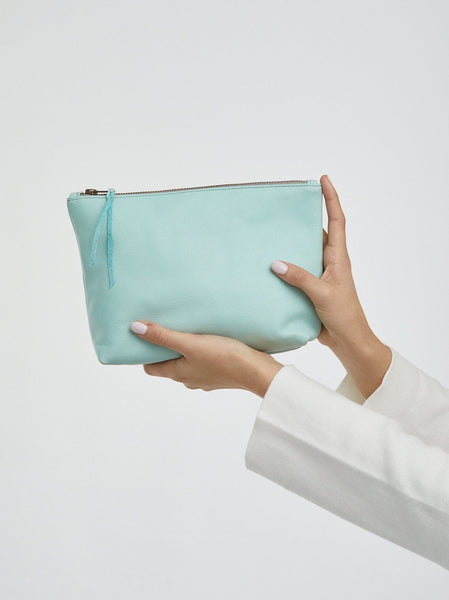 Pebbled Emnet Pouch Leather