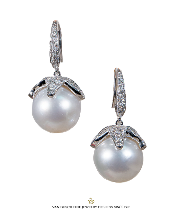 South Sea Pearl Dangling Earrings