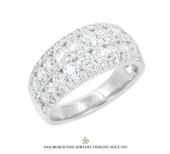 Lace Design Diamond Band