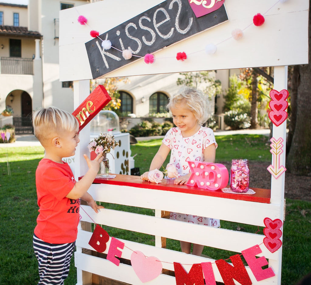 Valentine's Day Kissing Booth DIY