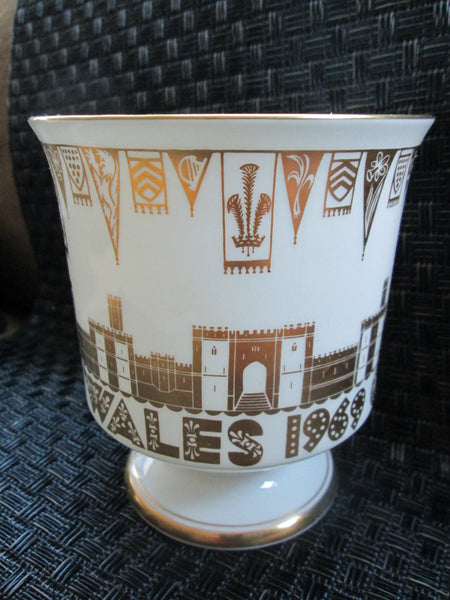 White Vase Charles Prince of Wales Commemorative // July 1969// Queen Elizabeth II // Caernarvon Castle// Gift White Vase// Unusual Gift