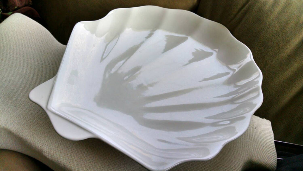 Serving Platter//sea shell// Vintage Tray// Entertaining// Half Shell// Wedding Gift // Appetizers // Totally 1980s // Retro Home // Tray