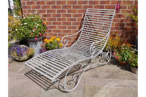Garden Sun Bed Lounger  | furniturechecklist.co.uk