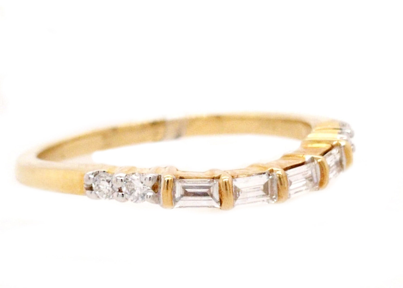 Federica - Curved Baguette and Round Diamond Band